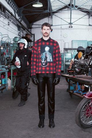 Givenchy, Comme des Garçons, Folk и другие марки показали новые лукбуки. Изображение № 2.