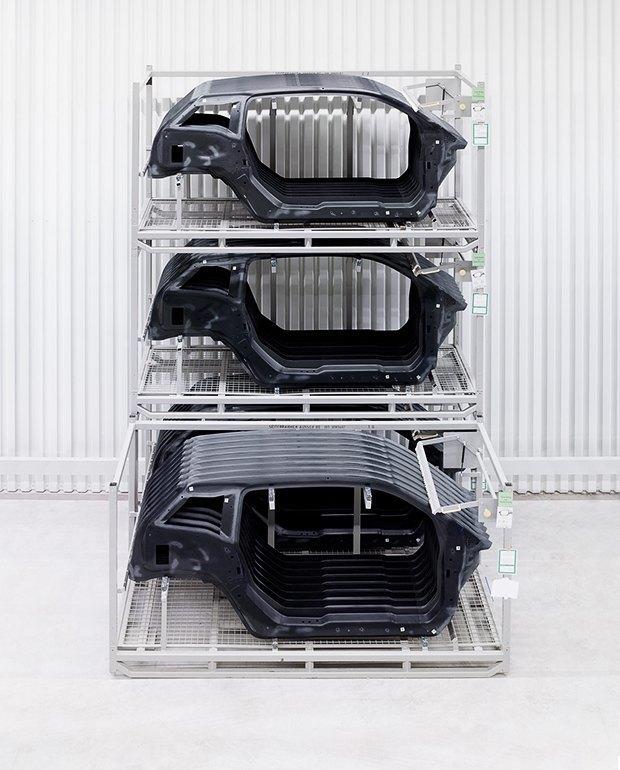 Фабрика BMW авторства Захи Хадид вызывает мурашки у роботов. Изображение № 6.