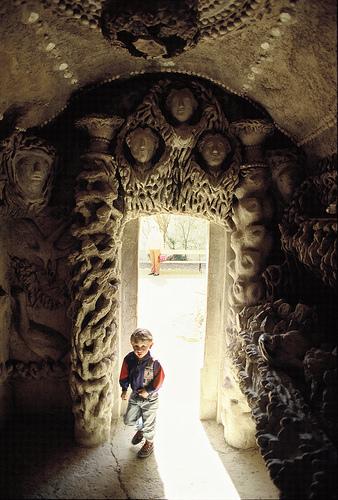 Дворец, построенный почтальоном инсталляция XIXвека. Изображение № 3.
