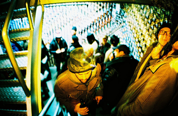 Галерея-магазин Ломографии вНью-Йорке. Изображение № 43.
