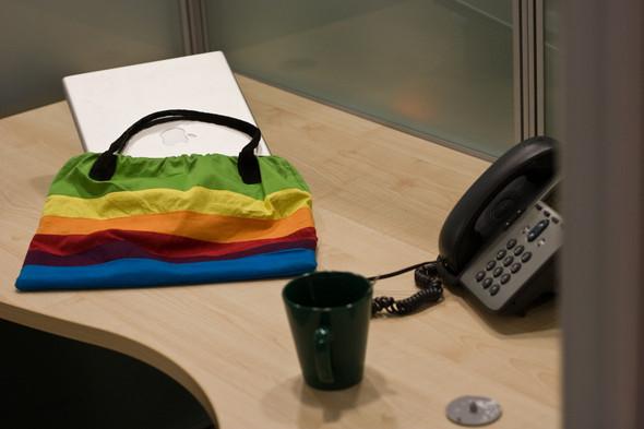 Giftshop: apple handbag. Изображение № 2.