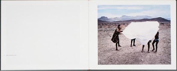 12 альбомов фотографий непривычной Африки. Изображение № 127.