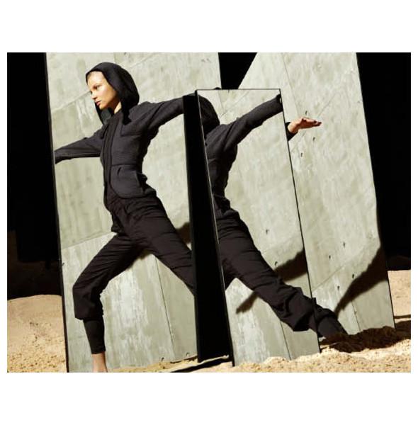 Стелла Маккартни создала светящуюся одежду для Adidas. Изображение № 8.