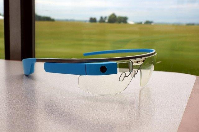 Google сделает полный редизайн Glass . Изображение № 1.