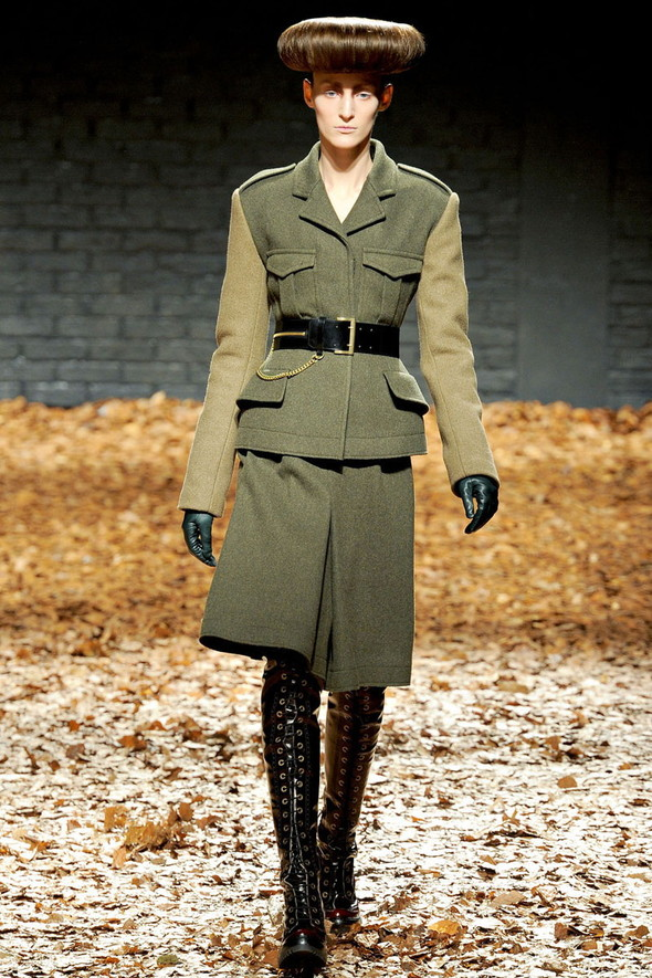 Лукбук McQ by A. McQueen F/W 2012-13, Женская и мужская коллекции. Изображение № 2.