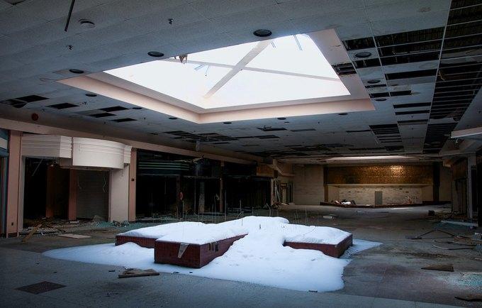 Фото: заброшенный торговый центр в США. Изображение № 12.
