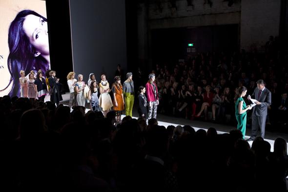 Первые лица Голландии на неделе моды в Амстердаме. Изображение № 1.