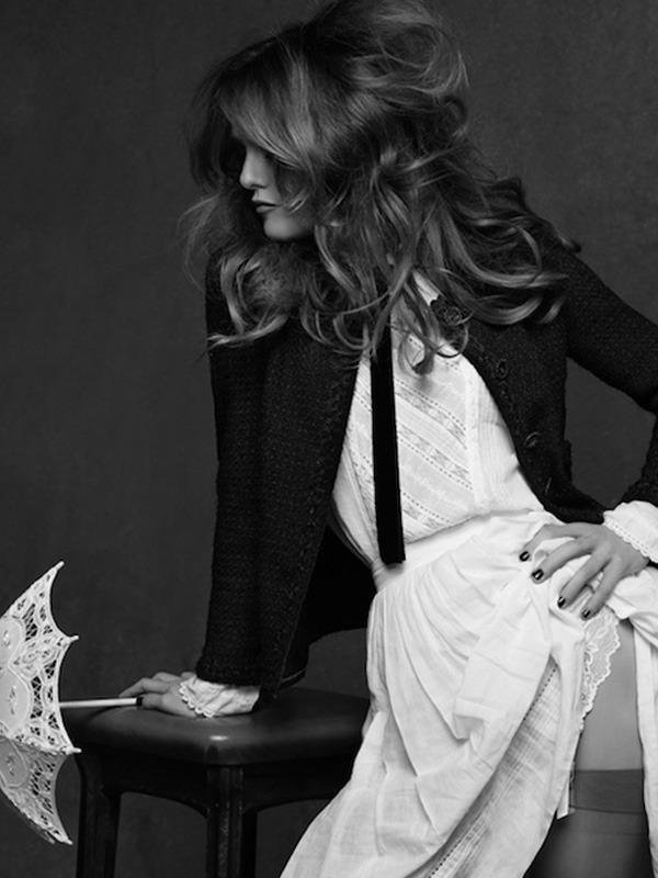 20 октября в Artplay откроется фотовыставка Chanel «Little Black Jacket». Изображение № 14.