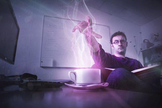 Физик Валерио Розетти использует Силу, чтобы разогреть кофе. Изображение № 1.