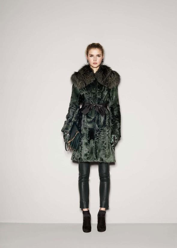 Лукбук: Dolce & Gabbana FW 2011 Women's. Изображение № 87.