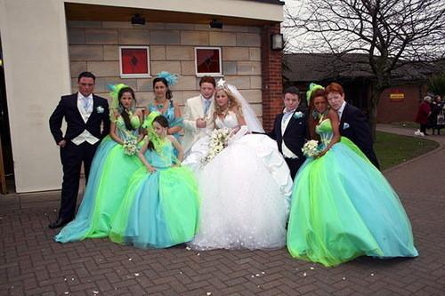 Изображение 13. Цыганские невесты и их свадебные платья.. Изображение № 9.