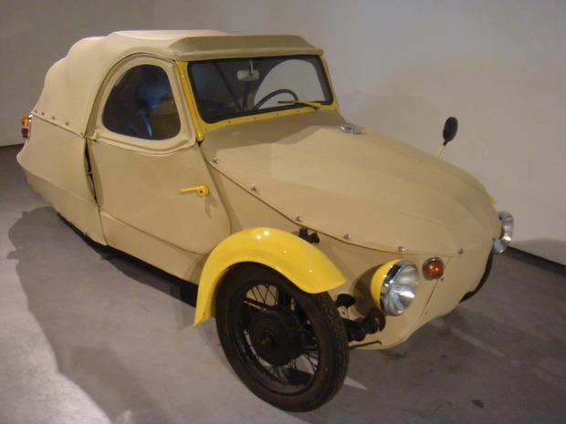 Испанский музей ретро-автомобилей. Изображение № 10.