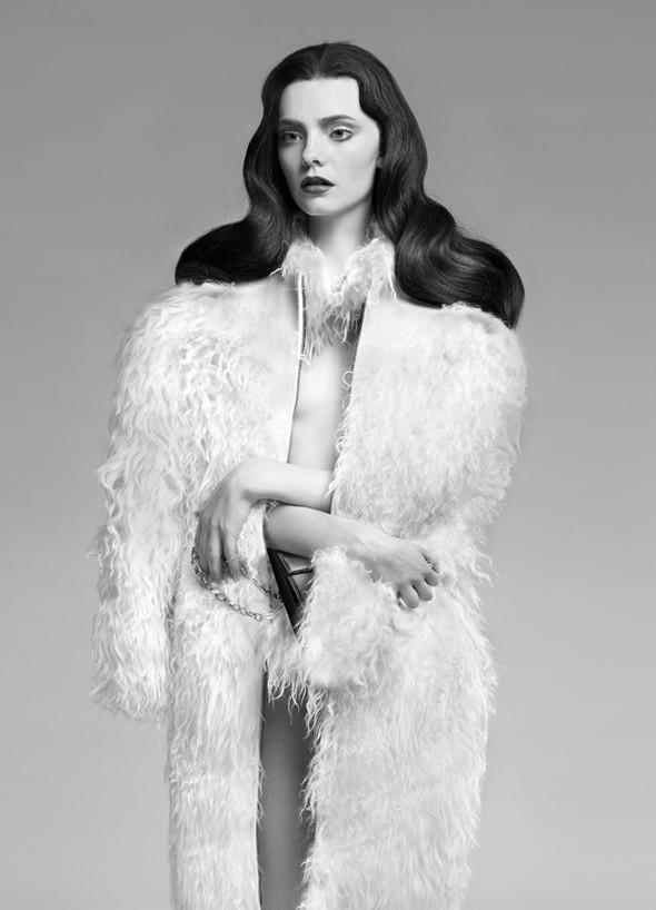 Съёмка: Нимуэ Смит для Glamour. Изображение № 7.