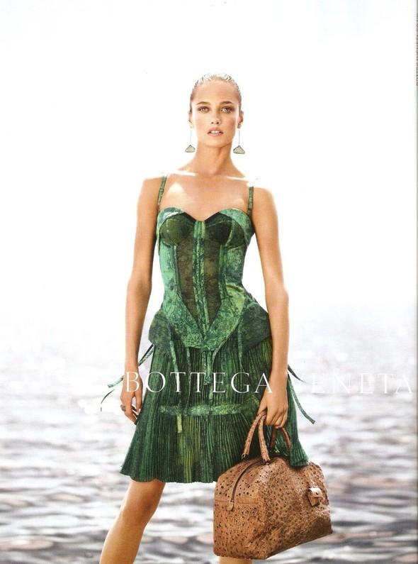 Превью кампаний: Bottega Veneta, Mulberry, Prada и другие. Изображение № 1.