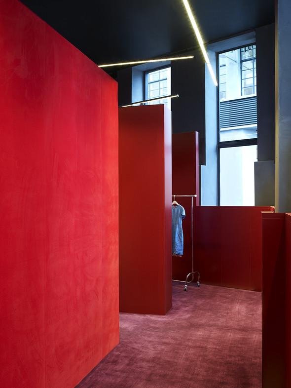 Новые магазины: Acne в Копенгагене, Dover Street Market в Токио и Prada в Москве. Изображение № 3.