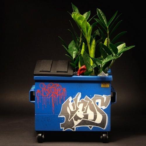 Настольные граффити-контейнеры для цветов и всякой всячины. Изображение № 4.