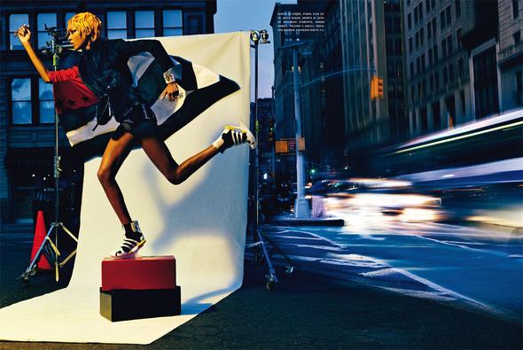 Быстрее, выше, сильнее: Модные съемки, вдохновленные спортом. Изображение №23.