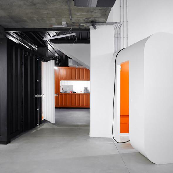 Офис испанской интернет-компании Dinahosting. Изображение № 4.