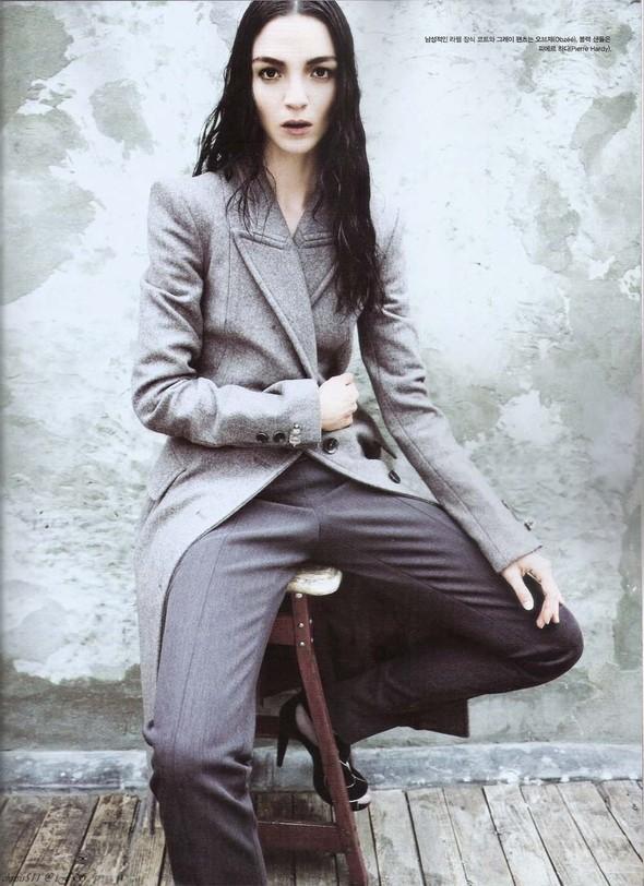 Съёмка: Мариакарла Босконо для корейского Vogue. Изображение № 3.