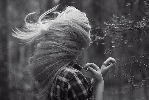 В этом есть чудо-прелесть - пускать по ветрам волоса. Изображение № 2.
