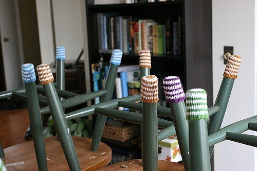 Защитные носки на стулья. Изображение № 3.