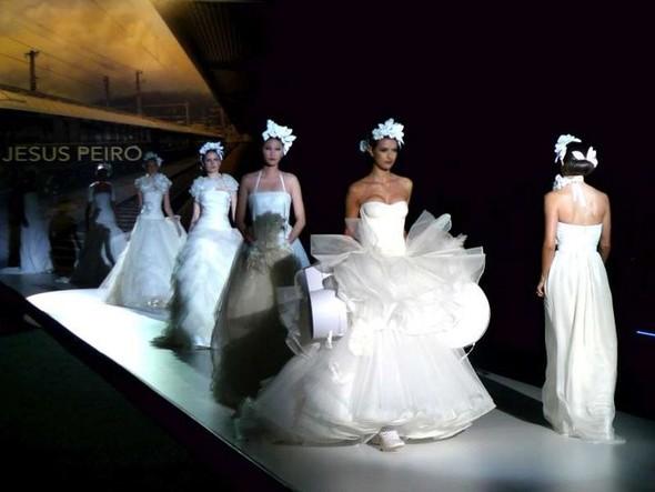 Главные тренды свадебной моды, или В чём выходить замуж в 2012 году. Изображение № 3.