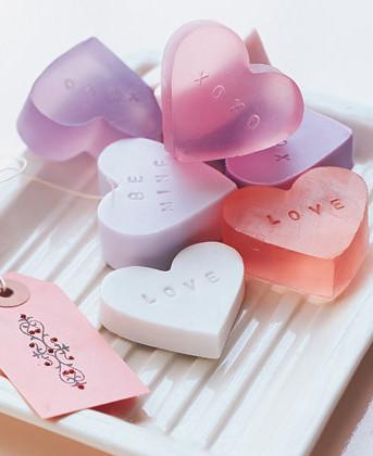 Как обратить на себя внимание в День влюбленных. Изображение № 12.