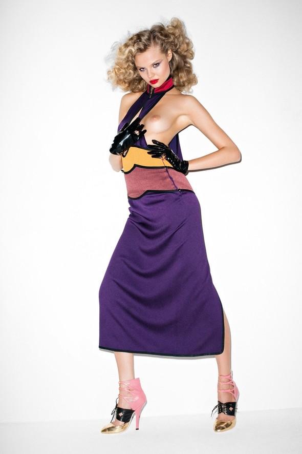 Съёмка: Терри Ричардсон для Purple Fashion. Изображение № 2.