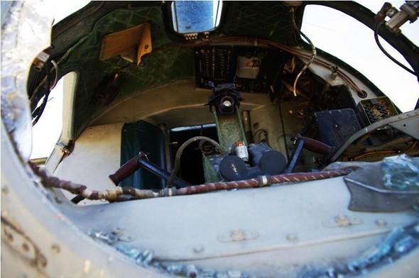 Сто рублей охраннику кладбища советской авиации. Изображение № 15.