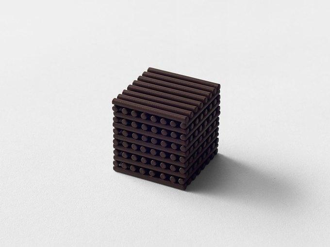 Дизайнеры Nendo разработали шоколад с разными текстурами. Изображение № 7.
