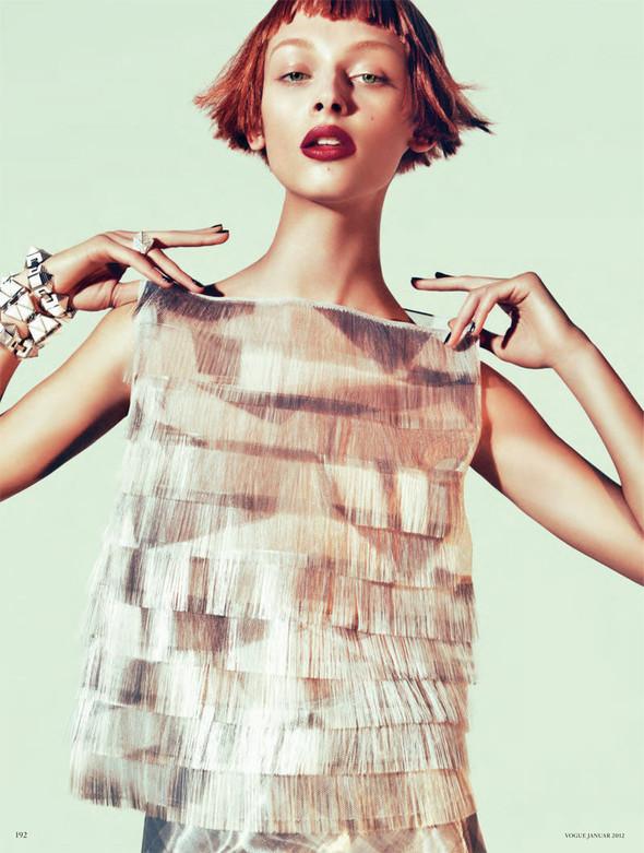Съёмка: Дага Зёбер для Vogue. Изображение № 4.