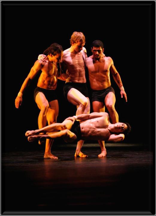 Танцевальные структуры Pilobolus. Изображение № 24.
