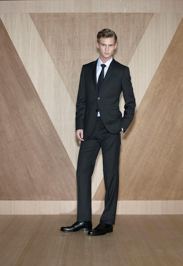 Мужские лукбуки Alexander McQueen, Comme des Garcons, Louis Vuitton и Club Monaco. Изображение № 47.