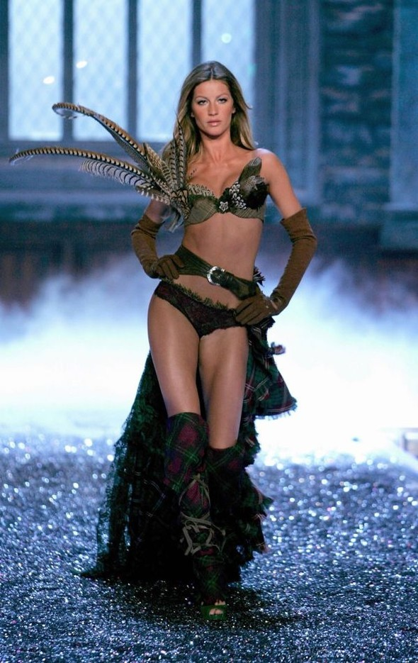 Victoria's Secret Lingerie Fashion Show 2008. Изображение № 3.