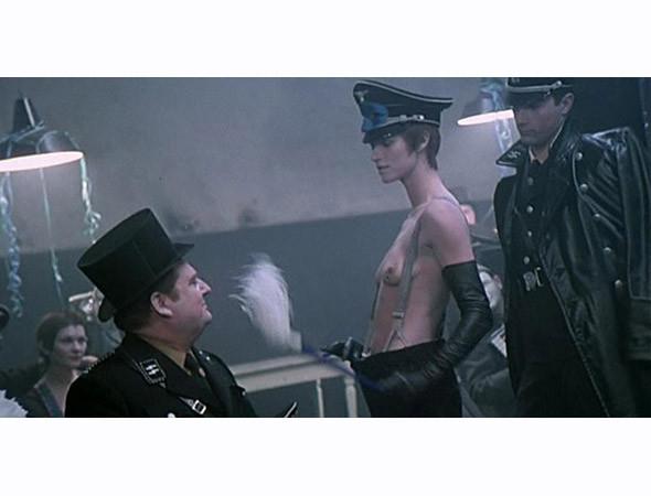Кадр из фильма «Ночной портье» (1973). Изображение № 1.