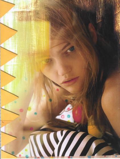 Magazine: Vogue UKJanuary 2007. Изображение № 5.