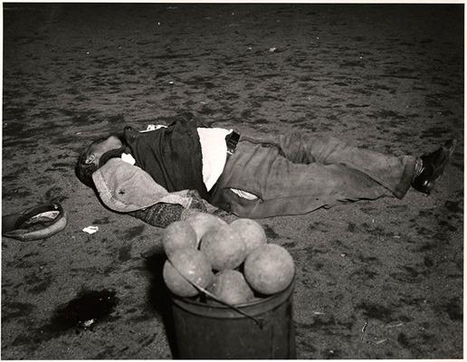 Закон и беспорядок: 10 фотоальбомов о преступниках и преступлениях. Изображение № 28.