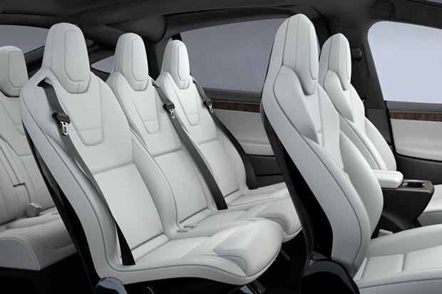 СМИ описали впечатления от новой машины Tesla Motors. Изображение № 3.