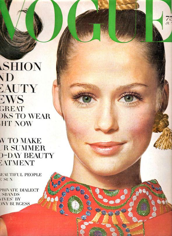 Калейдоскоп обложек Vogue. Изображение № 37.