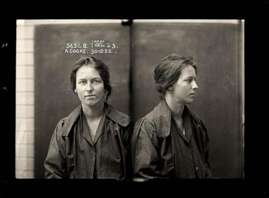 Закон и беспорядок: 10 фотоальбомов о преступниках и преступлениях. Изображение № 97.