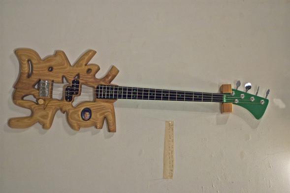 Странные гитары Бена Симона. Изображение № 7.