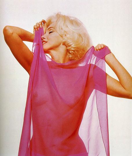 Части тела: Обнаженные женщины на фотографиях 50-60х годов. Изображение № 100.