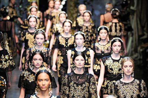 Финал показа Dolce & Gabbana FW 2012 . Изображение № 1.