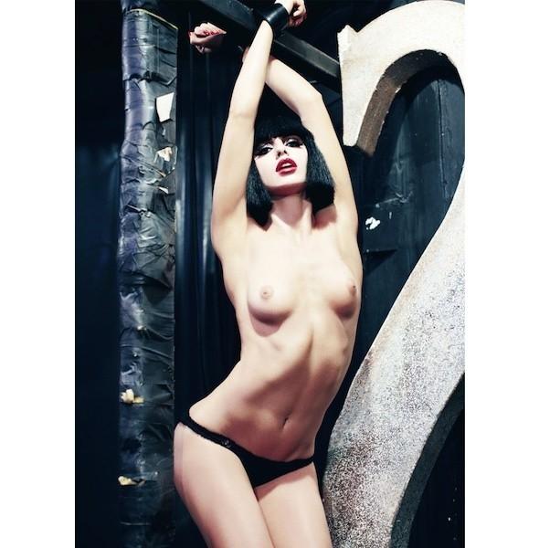 5 новых съемок: 10, Self Service, Tank, Vogue, W. Изображение № 29.