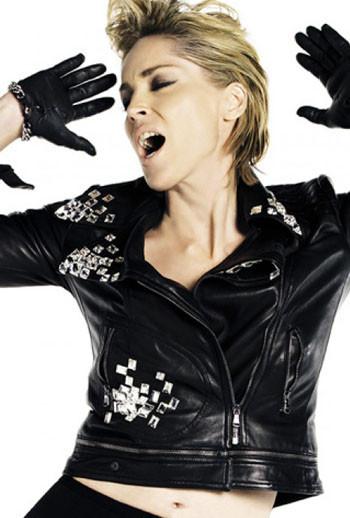 Sharon Stone forVogue Spain. Красива, какМадонна. Изображение № 1.