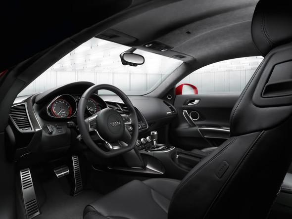 Audi R8 5. 2 FSIquattro. Изображение № 2.