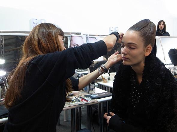 Изображение 3. Paris Fashion Week: два бэкстейджа.. Изображение № 1.