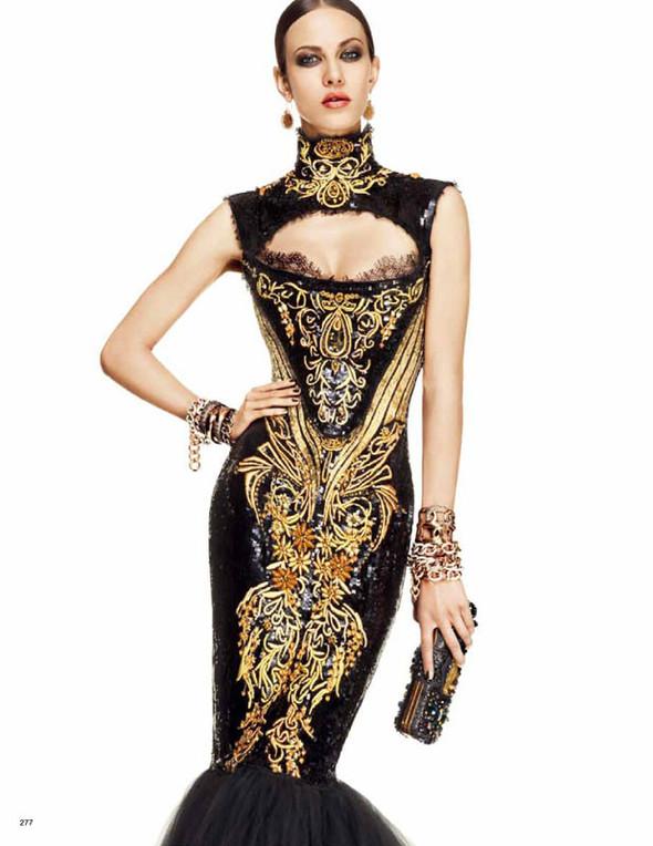 Съёмка: Эмелин Валад для Vogue. Изображение № 2.