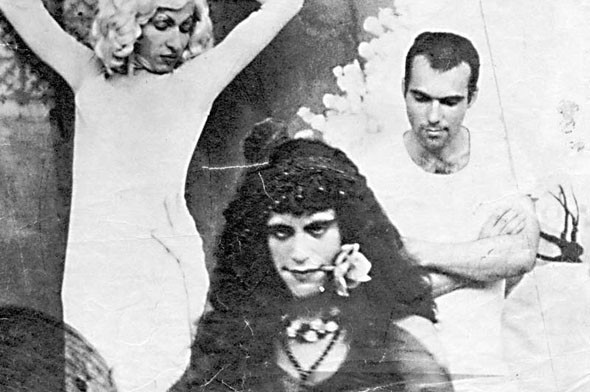 «Пламенеющие создания» (1963) Джека Смита, снявшего только три фильма и умершего от СПИДа. Изображение № 33.