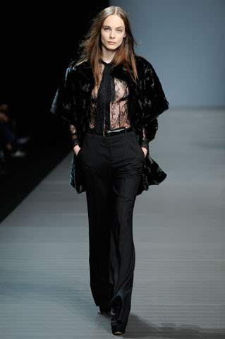 Valentin Yudashkin. Fall-Winter 2010-2011. Изображение № 1.